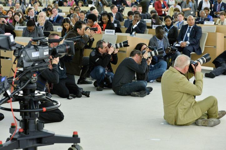 Durante la semana de la Asamblea General, los periodistas deben lidiar con restricciones de acceso por motivos de seguridad. Foto: ONU/Jean Marc Ferré